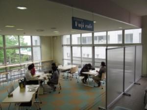 開放的なFuji Cafe