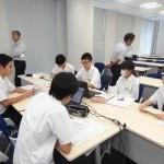 学生の班別学習の様子