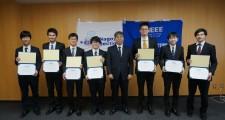受賞者たち(左から4番目が野田さん)