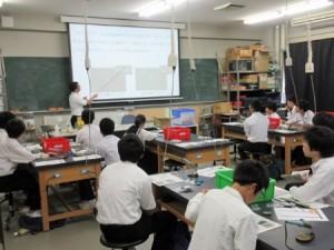 体験授業(電子制御工学科)の様子