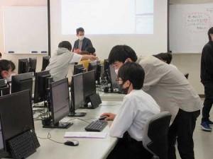 体験授業(制御情報工学科)の様子